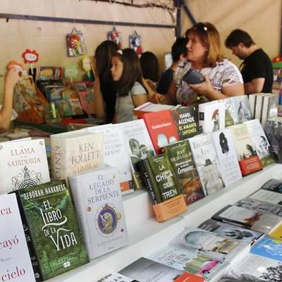 La IX Feria del Libro toma desde hoy los Paseos de San Francisco
