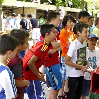 Jóvenes y niños disfrutaron de la Feria de la Juventud