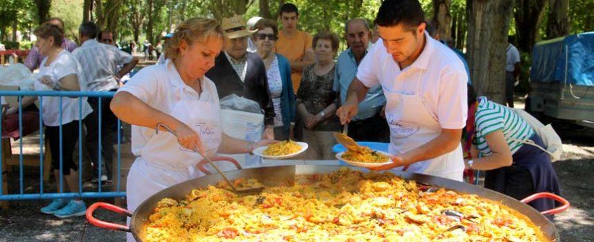 Más de 300 personas se dan cita en el Día de Convivencia en el parque de la Huerta del Duque