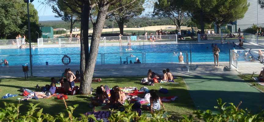 Instalaciones de la piscina de verano de Cuéllar.