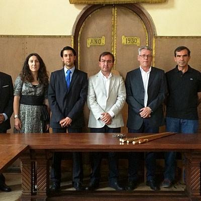 El Independiente Andrés Catalina toma posesión en Coca, tras el pacto con el PSOE
