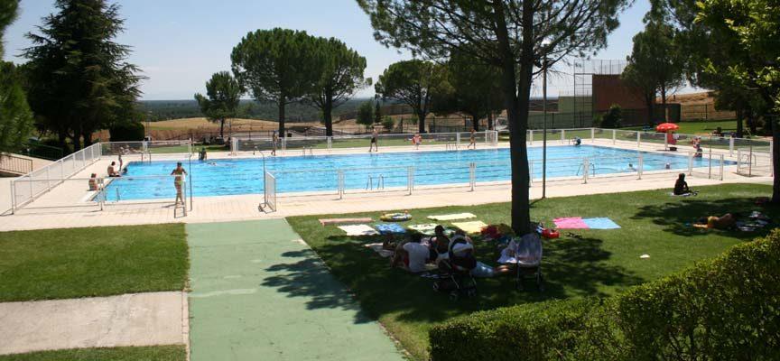 La Oficina Técnica inicia la valoración de los Planes Técnicos presentados por las cuatro empresas que optan a la gestión de las piscinas