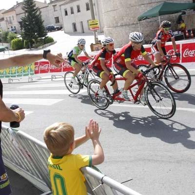 Las pruebas de ciclismo femenino desafiaron a las altas temperaturas