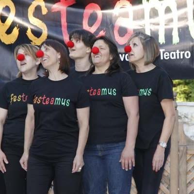 Música, clown y poesía para dar la bienvenida al IV Festeamus
