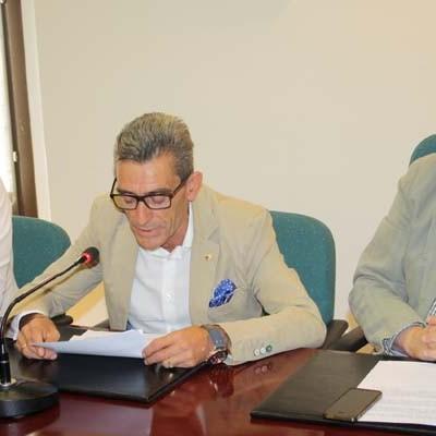 El delegado territorial presenta el resultado de los trabajos realizados sobre la ermita de San Miguel, en Sacramenia