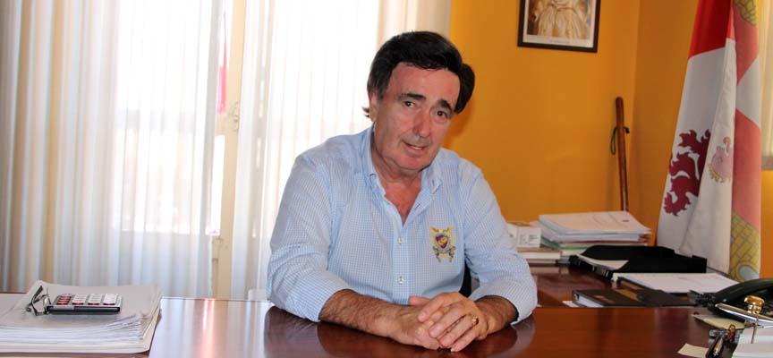 Jesús García, alcalde de Cuéllar, en su despacho del Ayuntamiento.