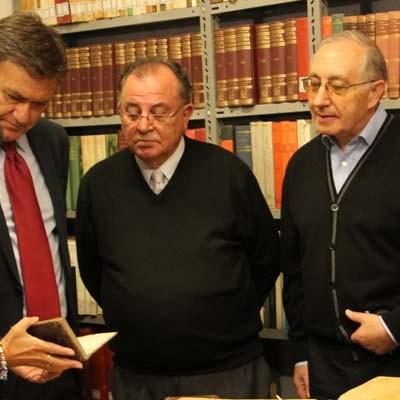 Los Padres Carmelitas catalogan con ayuda de la Diputación unos 5.000 ejemplares de la Biblioteca del Santuario de El Henar
