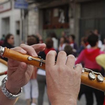 Los ayuntamientos de Cuéllar y Cantalejo reciben ayudas de Diputación para sus escuelas de dulzaina