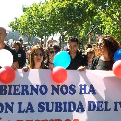 Los peluqueros de la comarca se sumaron a la manifestación del domingo para reivindicar una reducción del IVA