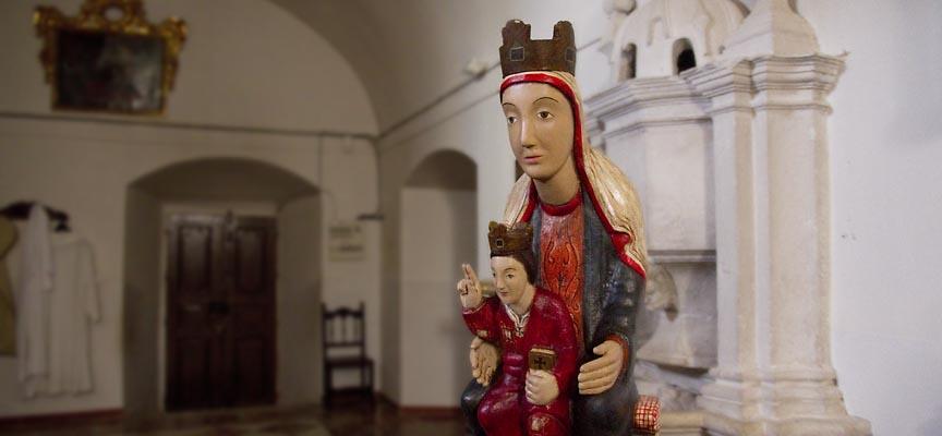 Réplica de la talla de la Virgen del El Henar.