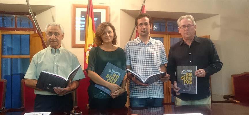 """Diego Gómez recoge en su libro """"La Vuelta de los Resineros"""" la historia gráfica de un oficio que se retoma"""
