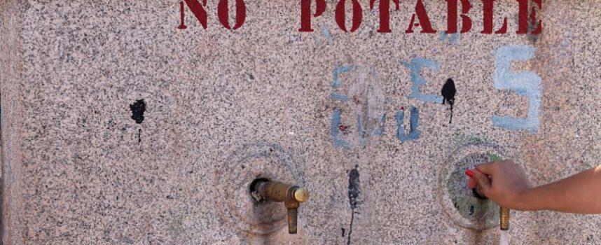Los vecinos de Lastras de Cuéllar reclaman agua potable en sus grifos a través de un manifiesto