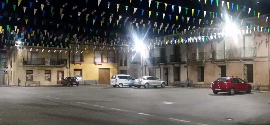 Plaza Mayor de Fuenterrebollo con la nueva iluminación.