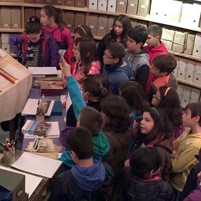 El Archivo de la Casa Ducal de Alburquerque abre sus puertas a los escolares