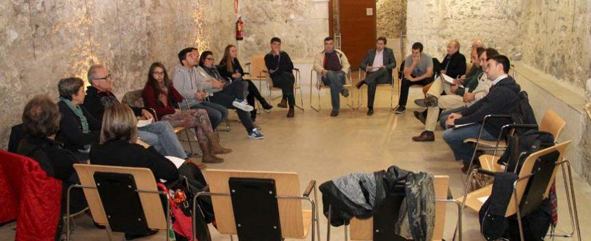 Colectivos vecinales y asociaciones abren los encuentros previos a la elaboración de un protocolo de los encierros