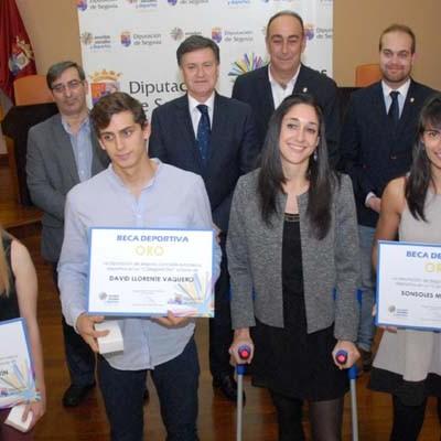 Una veintena de deportistas de la comarca reciben becas de la Diputación Provincial