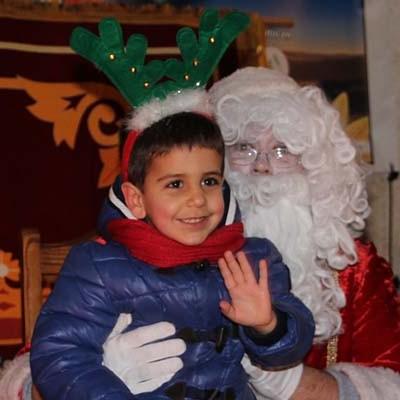 Papa Noel recogió deseos y repartió ilusión entre los más pequeños