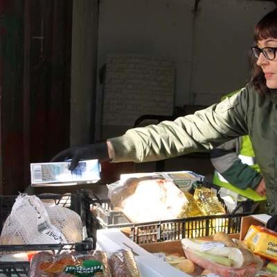 Vecinos y empresas donaron 690 kilos de alimentos en la campaña de recogida para el Centro Municipal