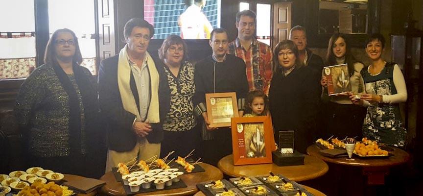 Foto de familia tras la entrega de premios del certamen.