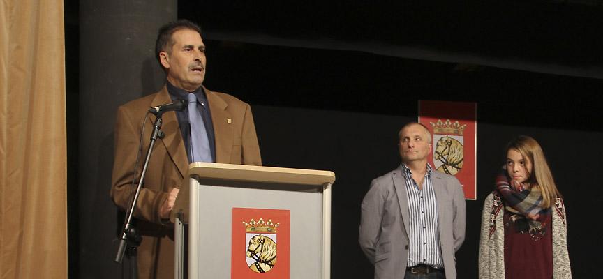 Juan Carlos Gómez, tras recoger su premio.