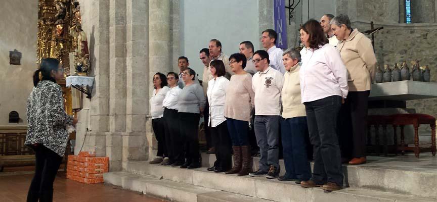 Actuación en el certamen de villancicos de Fuentepelayo.