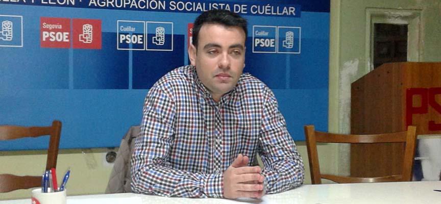 Carlos Fraile en la sede del partido.