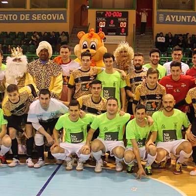 El FS Cuéllar se impuso al Segovia Futsal en el torneo a beneficio de Juegaterapia