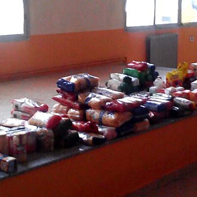 El I Torneo Benéfico de Baloncesto recaudó 390 euros y 176 kilos de alimentos para Cruz Roja