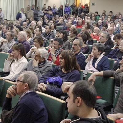 """La plataforma """"No más Mierda"""" congregó a más de un centenar de personas en Zarzuela del Pinar"""