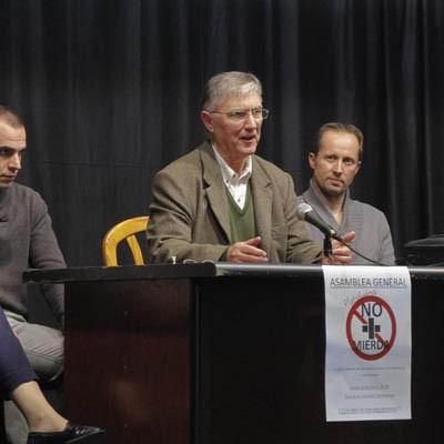 """Acuerdo para proteger la salud y la integridad física en Fuentepelayo entre la Plataforma """"No más mierda"""" y la Subdelegación"""