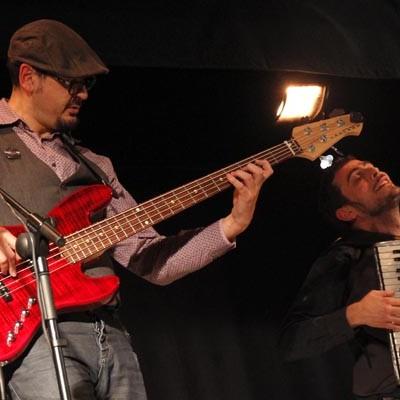 Atodoritmo llenó de nuevo la sala cultural con la música de Taper Duel
