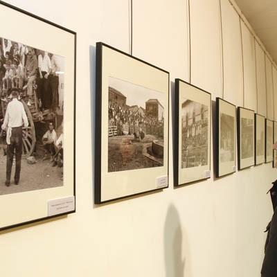 """""""100 años de fotografía taurina"""" en la sala Cronista Herrera"""