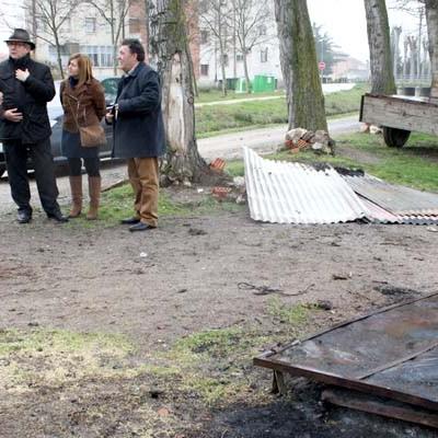 El delegado territorial condena en Fuentepelayo los actos vandálicos sufridos por los vecinos