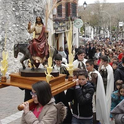 La procesión del Domingo de Ramos abrió la Semana Santa en Cuéllar
