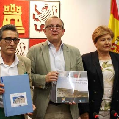 Junta, Ayuntamiento y vecinos de Sacramenia colaboran en el proyecto cultural en  torno a la ermita de San Miguel