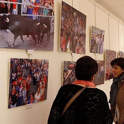 """Cronista Herrera acoge la muestra """"Un año en imágenes"""""""
