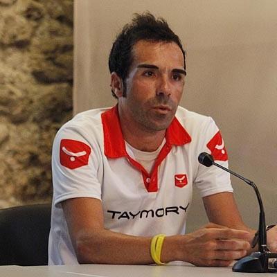 El triatleta José Almagro trasladó su experiencia a los deportistas locales