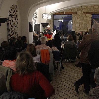Festeamus celebrará el jueves el primer aniversario de los Micros Abiertos de Poesía