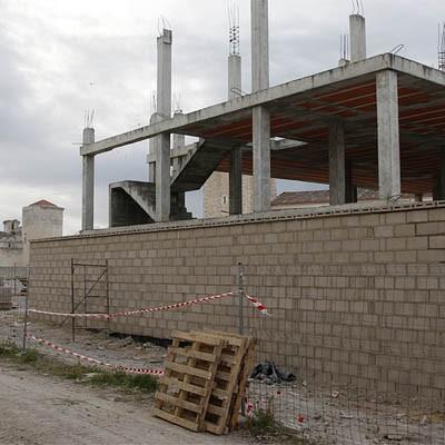 Comienza la limpieza y el vallado perimetral de la urbanización en construcción junto a San Martín