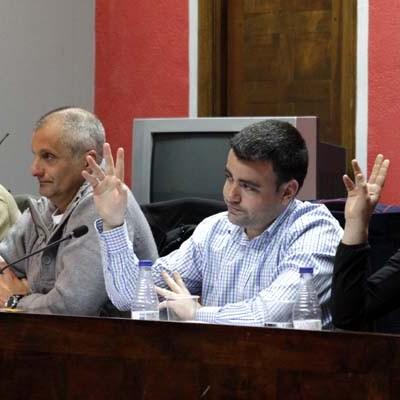 El PSOE volverá a solicitar la revisión del horario y salario de los trabajadores municipales