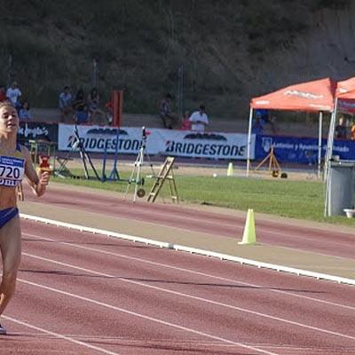 La atleta cuellarana Ángela García se proclama subcampeona de España en 400 metros lisos
