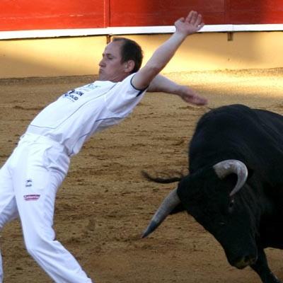 """Fallece el cortador Juan Carlos Otero """"El Gallo"""" de Navalmanzano tras ser corneado en el encierro de La Parrilla (Valladolid)"""