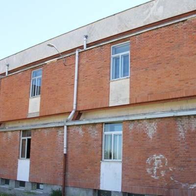 Ayuntamiento y Diputación repararán la fachada noroeste del colegio San Gil de Cuéllar