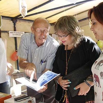 """""""Las mil y una noches"""" envuelven la IX Feria del Libro"""