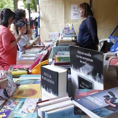 Libros, gastronomía y productos tradicionales para acompañar a la jornada electoral en Cuéllar