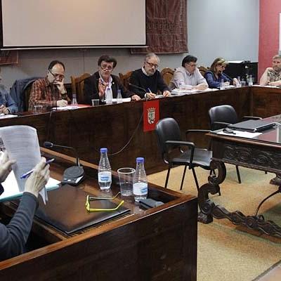 El pleno no apoyó la moción de IU para incorporar la villa a una Red de Municipios por un Estado Laico