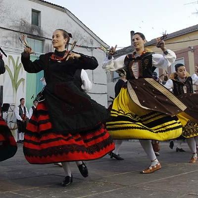 Fandangos, seguidillas, jotas y peteneras en el XXIX Festival Folclórico del Ajo