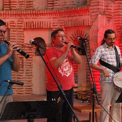 Folclore tradicional en el ábside de Santiago con Alberto Jambrina y Pablo Madrid