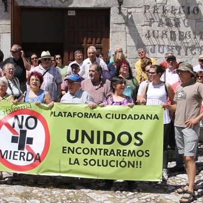 IU Segovia exige a la Junta la retirada de los montones de basura de Fuentepelayo