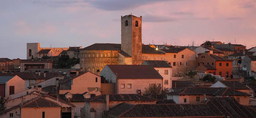 San Esteban, San Andrés y San Martín han sido los templos visitados para acoger la muestra.